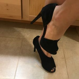 ❗️Amazing pair of sexy leather 4 inch heels❗️